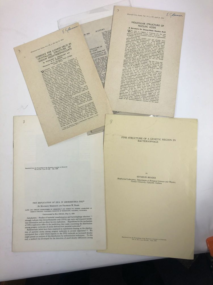 A collection of offprints of historic experimental papers in 20th century biological sciences: biochemistry, cell biology, genetics, molecular biology. More than half of the items included are from winners of the Nobel Prize for Physiology or Medicine, or Chemistry and other prominent scientists are included. Approximately 125 items. authors.