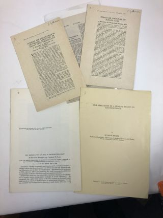 A collection of offprints of historic experimental papers in 20th century biological sciences:...